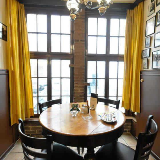 Tisch 6 im Gasthof zum Kaiser Friedrich